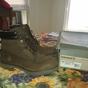 Timberland Boots ( Brand New ) * Waterproof *